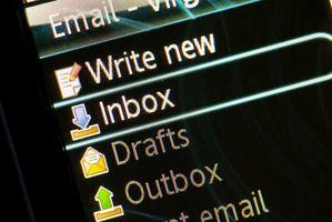 Che cosa è il triangolo giallo di avviso in Outlook Express quando si inviano?