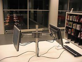 Come impostare il Computer per un due Monitor Screen Saver