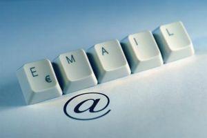 Quali simboli di cause per sostituire le lettere in un'E-mail?