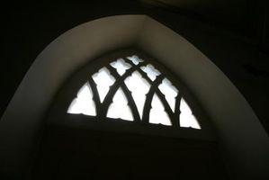 Come posso tagliare una finestra ad arco?