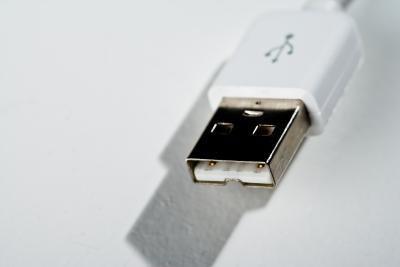 Come aggiungere un disco portatile esterno per più di stoccaggio
