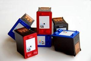 Indicazioni stradali per installare una cartuccia di inchiostro Deskjet HP