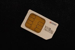 Come utilizzare il vostro computer portatile per collegare una scheda SIM in un telefono cellulare AT&T