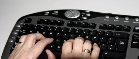 Come rimuovere le chiavi su una tastiera ergonomica di Microsoft