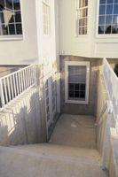 Come chiudere in una finestra del seminterrato con cemento