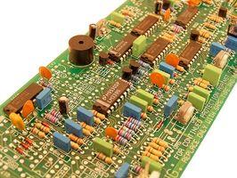 Come testare un condensatore con un multimetro digitale