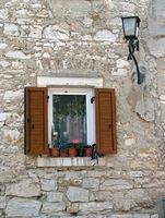 Come sostituire il vetro termico in una finestra