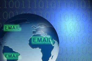 Come per l'invio a destinatari di posta elettronica in Outlook Express
