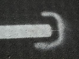 Come fare un quadrato con un bordo a linea tratteggiata in Illustrator
