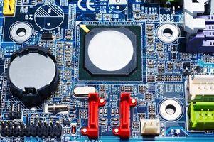 Come rimuovere una batteria CMOS da un Compaq Evo N800
