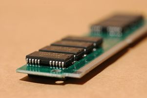 Come modificare il MHz per la RAM sul BIOS