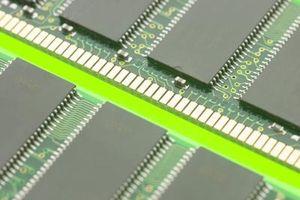 Come sostituire la memoria PC100 portatile con PC133