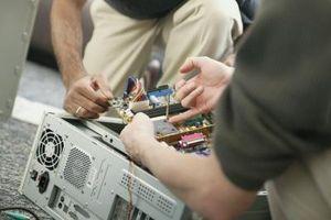 Come rimuovere il coperchio laterale sulla Torre di un Gateway PC Computer