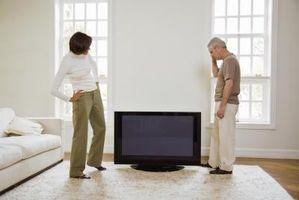 Che cosa è necessario da passare tra due monitor a schermo piatto?